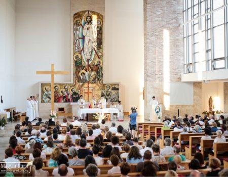 Tanévkezdő szentmise a katolikus iskolák pedagógusainak Budapesten