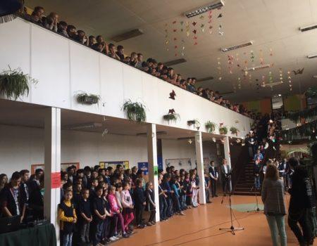 """""""Egymillió gyermek imádkozza a rózsafüzért"""" – intézményeinkben"""