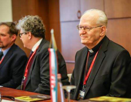 A Szentlélek rajtunk keresztül újítja meg a világot – Pedagóguskonferencia Esztergomban