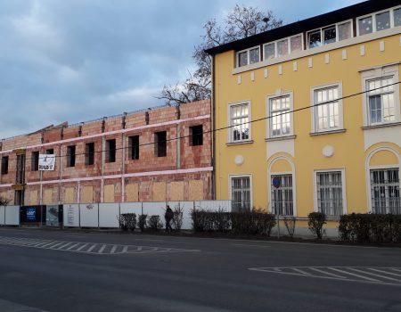 Építkezés és regölés a Mindszenty-ben
