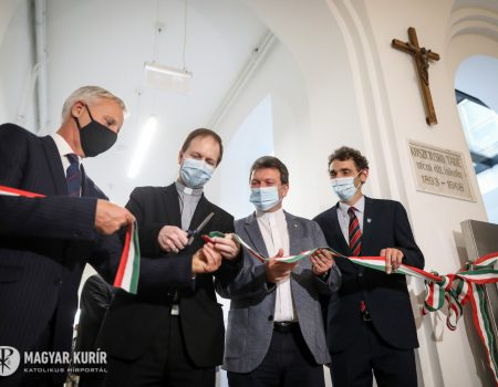 Megáldották a budapesti Szent Gellért általános iskola új épületét